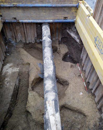 Per riportare alla luce queste sepolture nel cantiere M4 in piazza Sant'Ambrogio, gli archeologi hanno lavorato in condizioni molto difficili!
