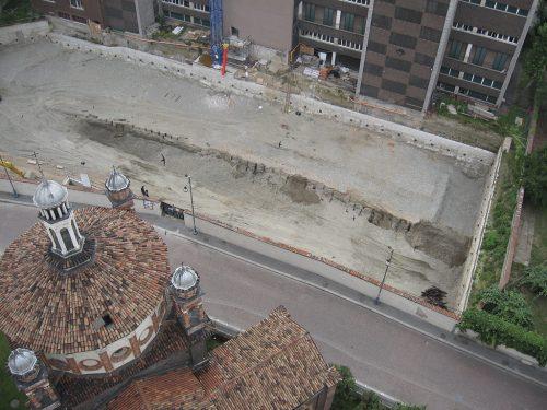 Fin dalle origini Milano è una città d'acqua. Ne sono testimonianza il grandioso canale e la palizzata di una banchina di epoca romana messi in luce nel 2007 in via Calatafimi.