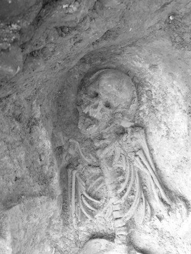 A tu per tu con un milanese di quasi duemila anni fa! Sepoltura a inumazione scoperta nel 2008 nei saggi preliminari per la linea M4.